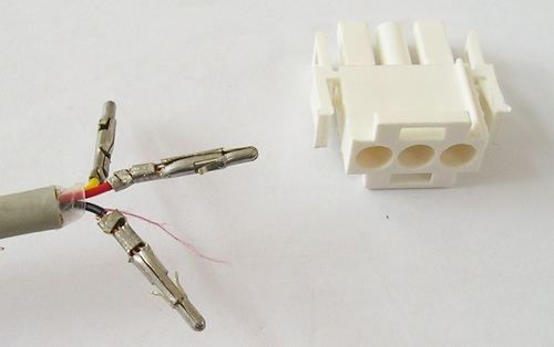 connector_to_heatpump_disassembled
